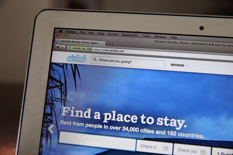 Mayor de Blasio Is Cracking Down on Airbnb