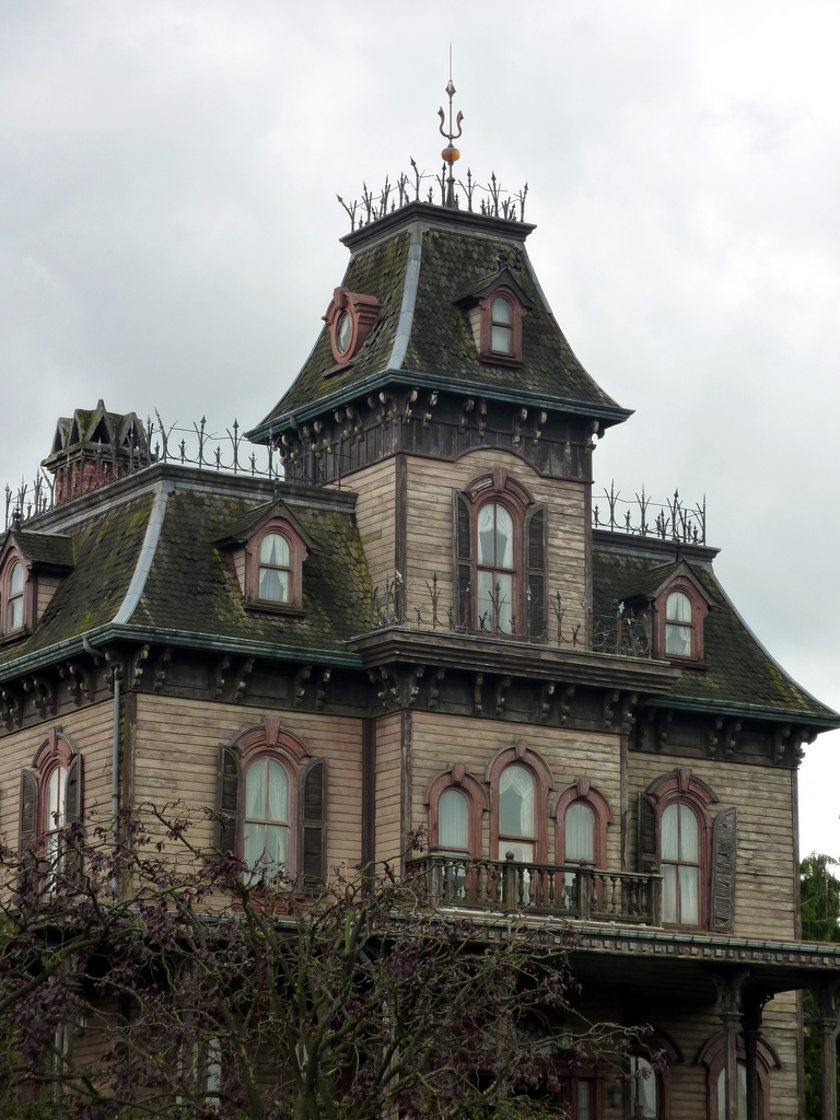 On the Market: Why Do We Find Victorian Houses So Creepy?