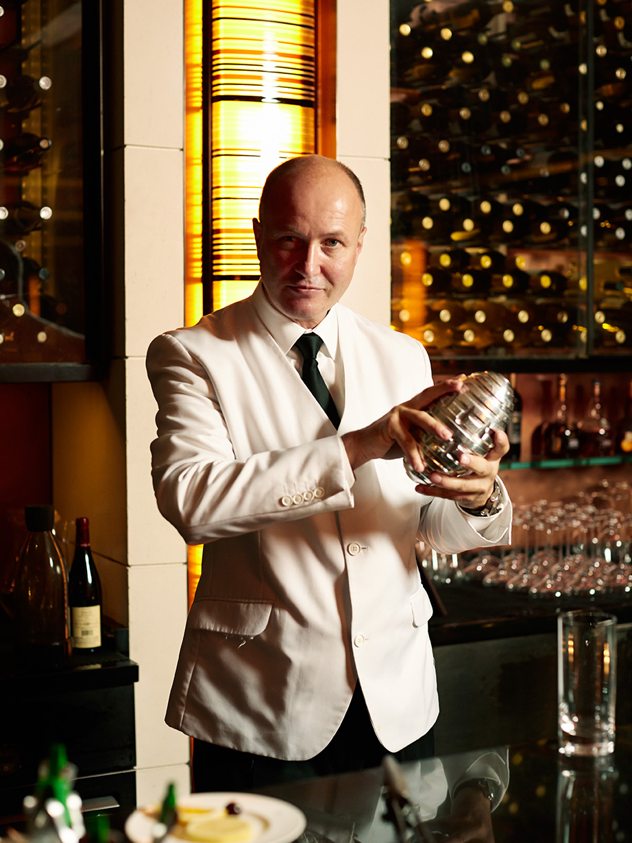 A Few Rounds With Colin Field, Bartender Extraodinaire at the Ritz in Paris