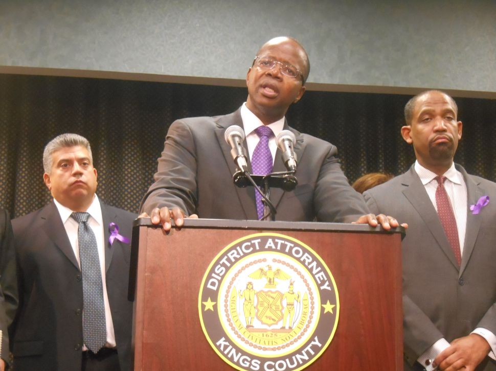 Brooklyn DA Claims He Is Not Having Trouble Meeting With Bill de Blasio