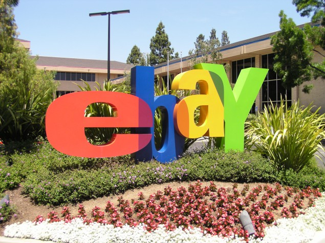 Art World Abstracts: eBay Tries Live Art Auctions Again, and More!