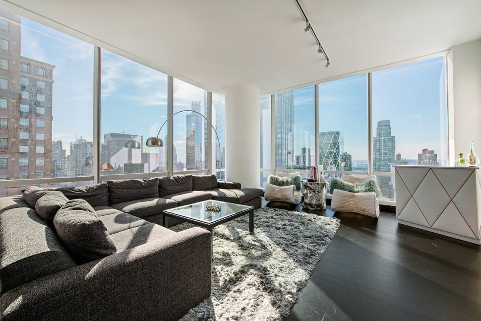 Just Stopping By: Briefly Occupied Two-Bedroom at One57 Lists for $10.75 M.