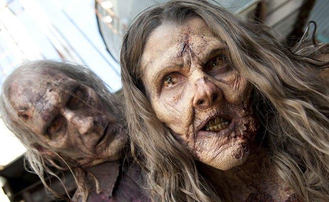 Explaining 'The Walking Dead' to a Zombie: Season 5 Premiere