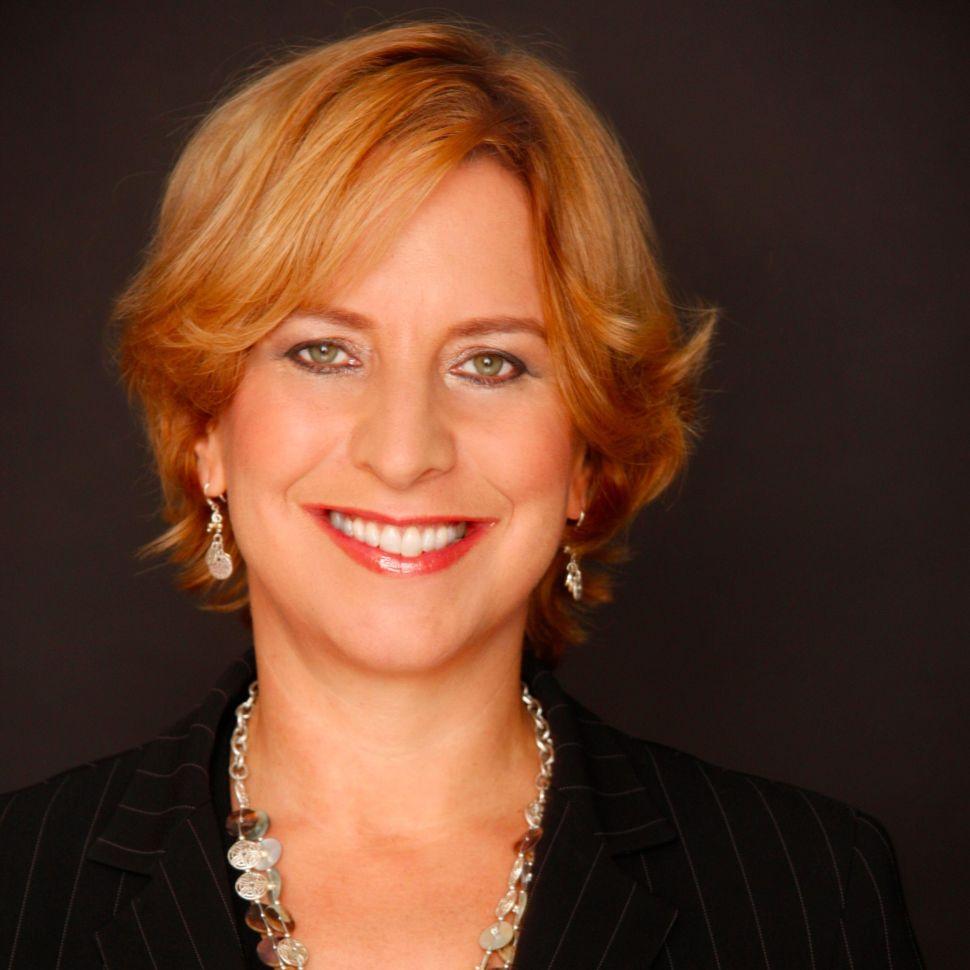 Media Mix: Twitter Head of News Vivian Schiller Steps Down