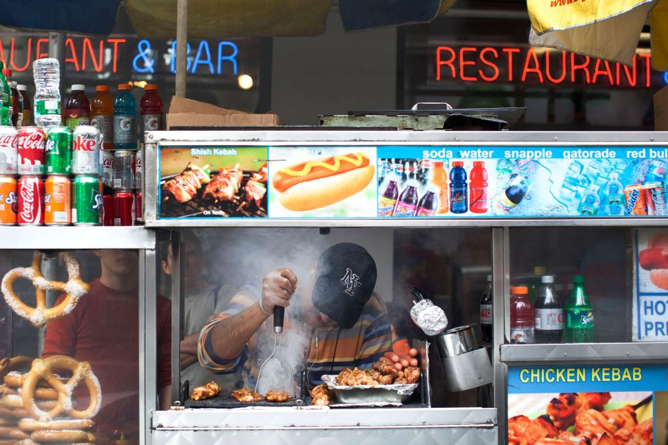Midtown Businessman Wants to Bring Down New York Food Carts