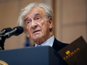 Elie Wiesel (Photo by Dennis Brack-Pool/Getty Images)