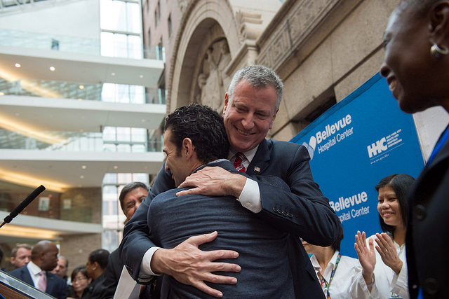 Bill de Blasio's Ebola Response More Popular Than Andrew Cuomo's: Poll