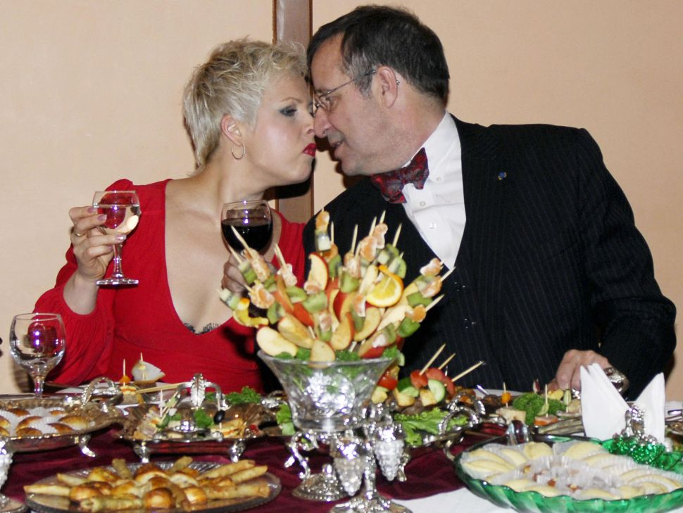 Estonia President Toomas Ilves Loses Battle in His Own Bedroom