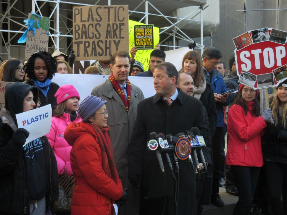 NYC Council Members Trash Cuomo for Strangling Their Five-Cent Plastic Bag Fee