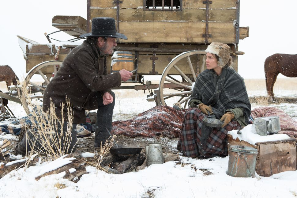 Tommy Lee Jones' 'The Homesman' Strands Three Pioneers in a Western Wasteland