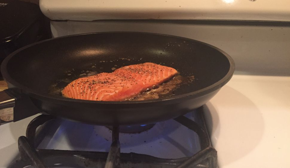 'Pantelligent': This Smart Frying Pan Cooks a Mean Steak, Salmon Fillet