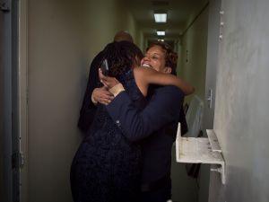 First Lady Chirlane McCray hugging Rachel Noerdlinger in January. (Rob Bennett for the Office of Mayor Bill de Blasio)