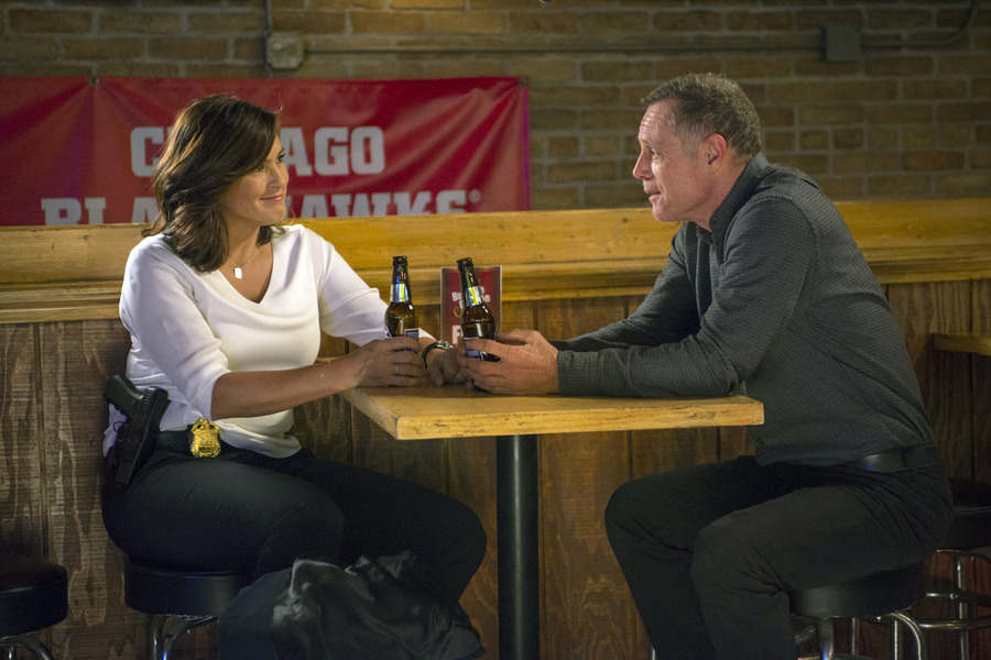 'Chicago Fire,' 'SVU' and 'Chicago PD' Exec-Producers Discuss Complicated Crossover