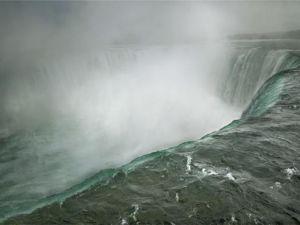 Annie Leibovitz, Niagara Falls. (Courtesy New-York Historical Society)