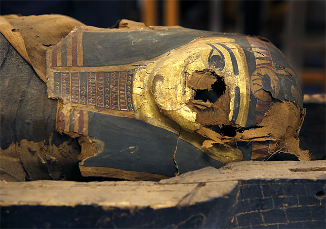 Art World Abstracts: Field Museum Opens a 2,500-Year-Old Mummy Coffin, and More!