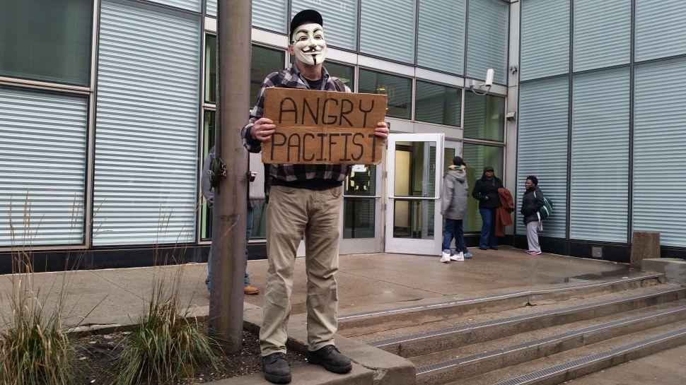 Pocket of Staten Island Protesters Attack 'Sham' Eric Garner Decision