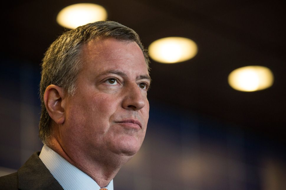 Afternoon Bulletin: Alongside Daily News, De Blasio Visits Bronx Homeless Encampment