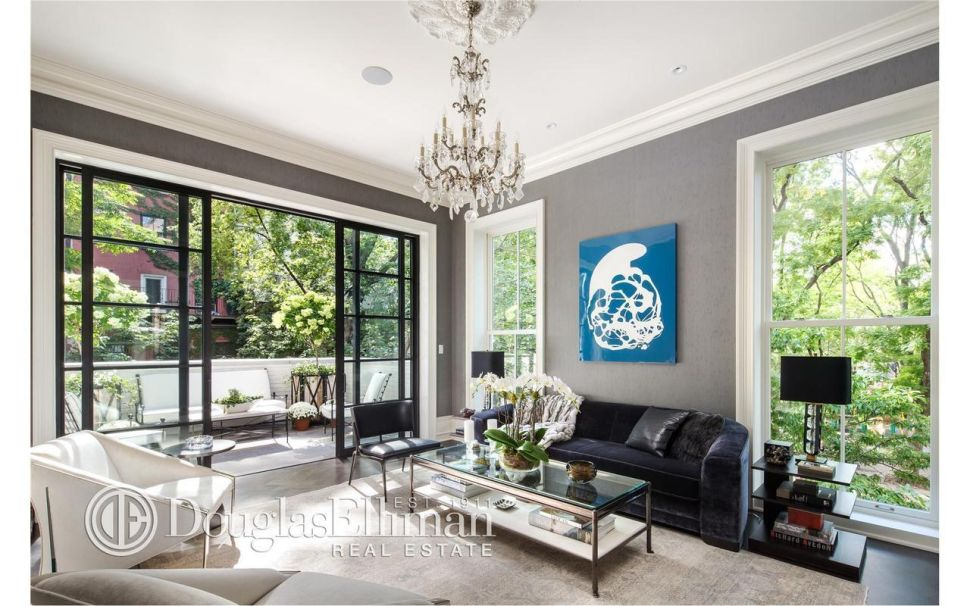 Left Side Flip: Obama Fundraisers Swap Chelsea Pad for $16M