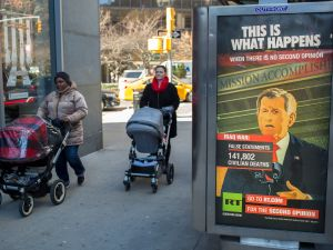 Russian Propaganda has been spotted on the Upper East Side. (/The New York Observer)