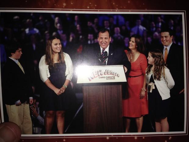 Iowa Republicans get a Chris Christie Christmas card