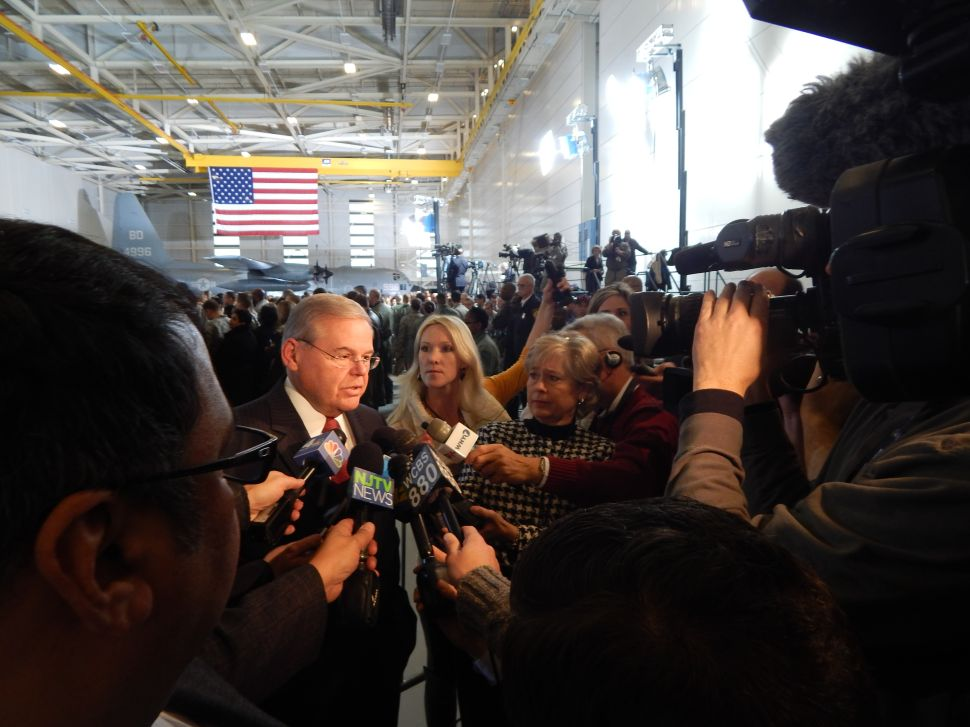 Menendez welcomes Obama ahead of Joint Base visit