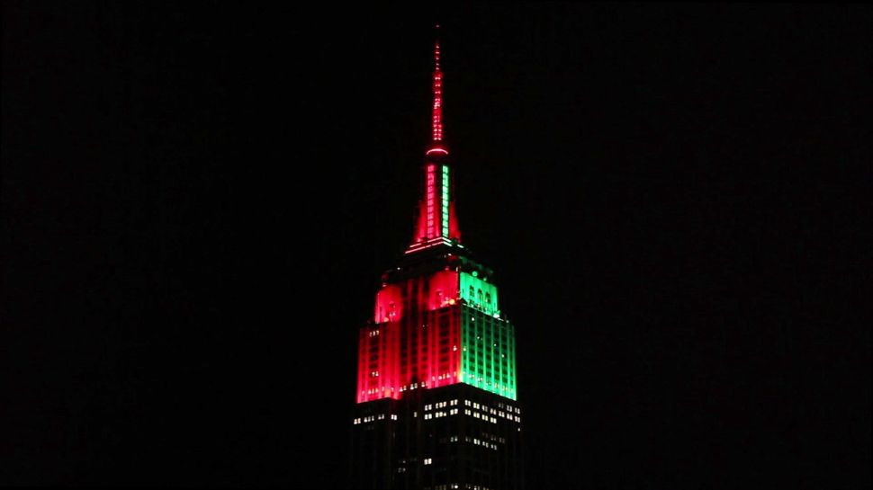 Meet the Man Behind the Empire State Building's Christmas Light Show