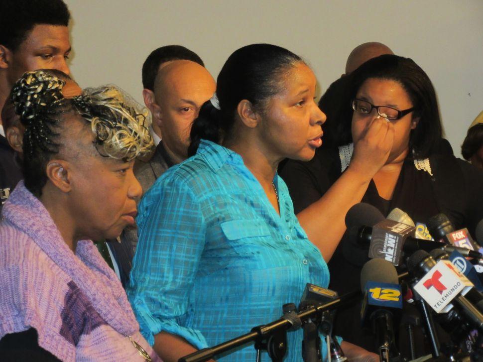 'Hell, No' Garner's Widow Won't Accept Un-Indicted Cop's Condolences