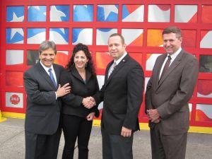 State Senator Diane Savino meets with Staten Island firefighters (Photo: Facebook).