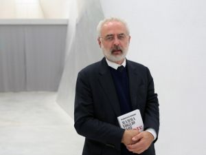 Italian curator Francesco Bonami. (Photo by Barbara Zanon/Getty Images)