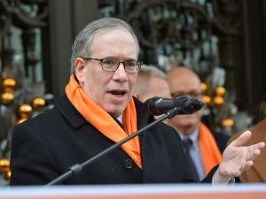 Comptroller Scott Stringer.