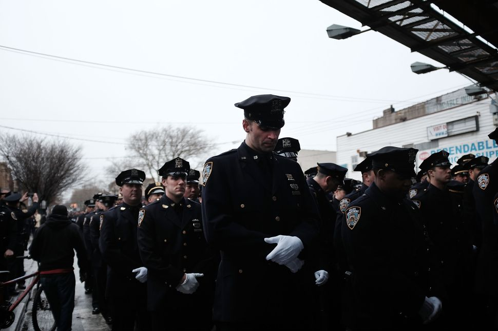 Bill de Blasio Calls Cops Who Turned Their Backs at Funeral 'Disrespectful'