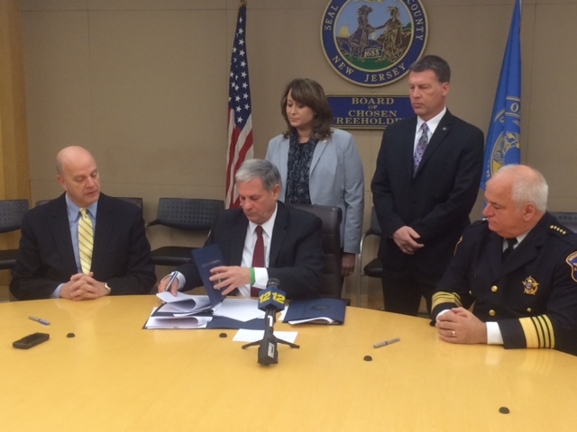 Bergen Exec Tedesco signs agreement to start county police realignment