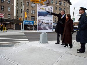 """Mayor Bill de Blasio with Department of Transportation Commissioner Polly Trottenberg at a """"Vision Zero"""" related announcement. (Photo: NYC Mayor's Office)"""