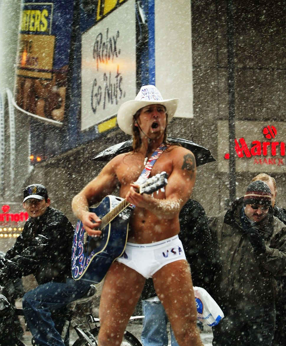 Afternoon Bulletin: Naked Cowboy's Woes of Winter Shrinkage, Teens on Ice and More