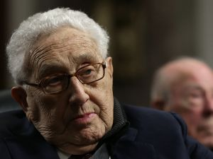 """According to sources, Jeb Bush has won the """"Henry Kissinger sweepstakes,"""" earning the former Secretary of State's support as candidates vie to enhance their foreign policy credentials—and their warchests. (Win McNamee/Getty Images)"""