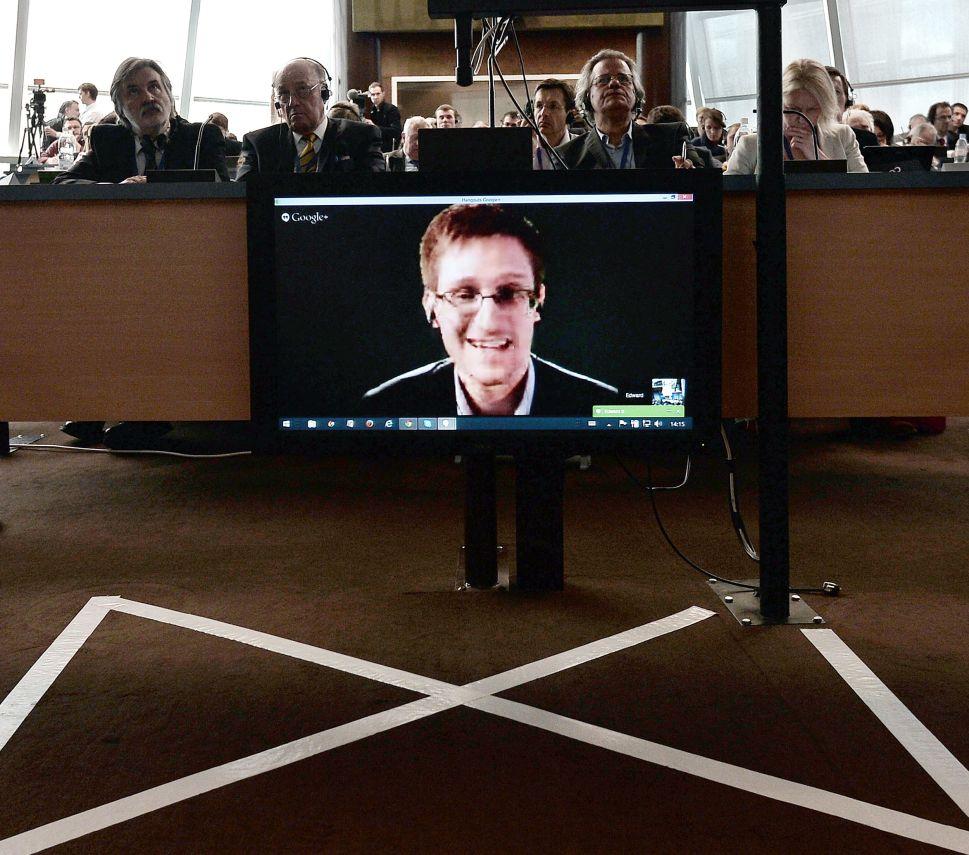 Edward Snowden Laughed at Neil Patrick Harris' 'Treason' Joke, Unlike Anybody Else