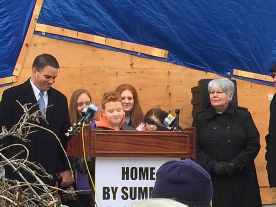 Belmar mayor starts bipartisan fundraising drive to help get two Sandy-displaced families home
