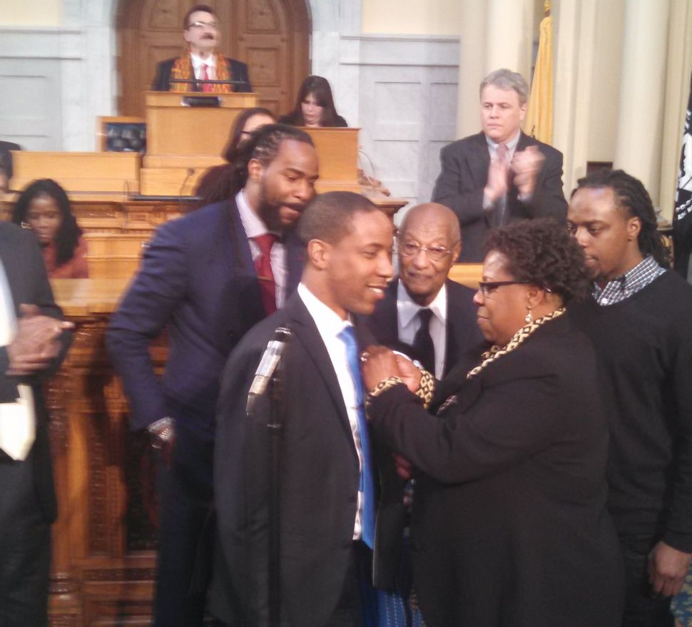 Roselle's Holley sworn-in to Assembly