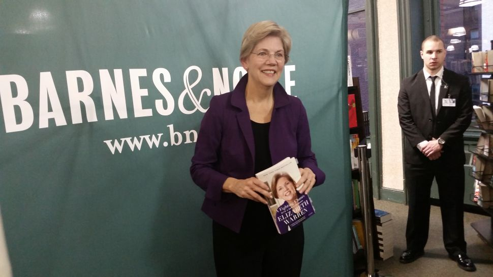 Not Running for President: Elizabeth Warren Charms Starry-Eyed Liberals in New York