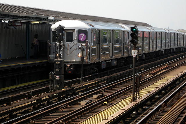 On the Market: 7 Train Opening Delayed; Everyone Hates New LED Streetlights