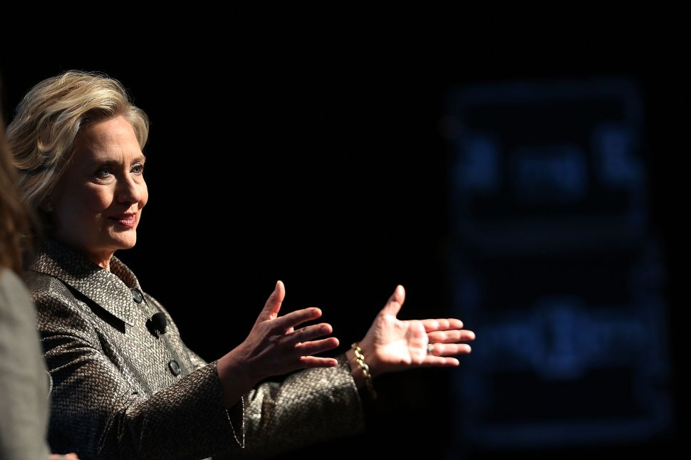 'I Did it for Convenience': Hillary Clinton Brushes Off Email Controversy