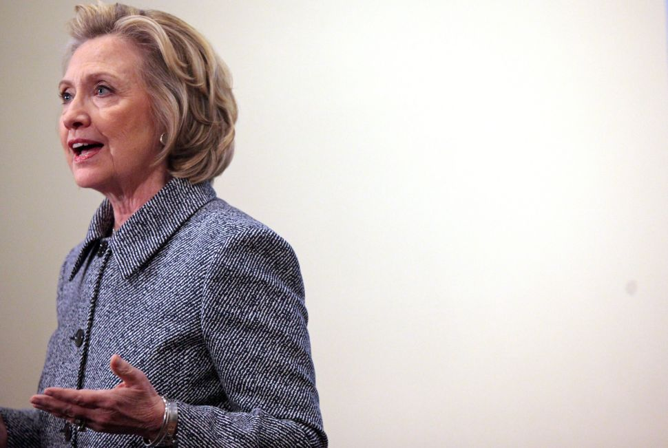 Forget About It: Hillary Clinton's Email Problem Will Fade Quickly