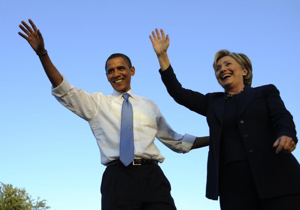 After Meeting With Bernie Sanders, Barack Obama Backs Hillary Clinton for President
