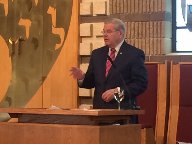 Message to Menendez at Franklin Lakes synagogue: 'We will always have your back'