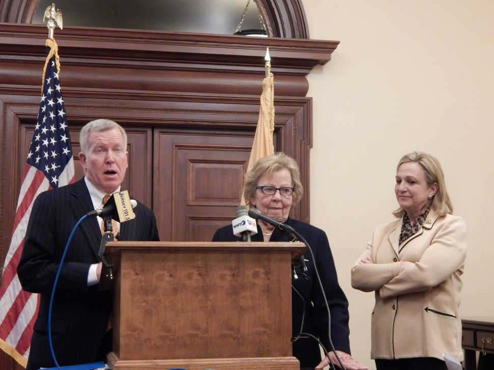 Weinberg and Mosquera to host gun violence roundtable with Gabby Giffords in Trenton