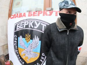 """CyberBerkut is a play on """"Berkut,"""" the name of the Ukrainian special riot police, a force that has been disbanded. (Photo: Getty)"""