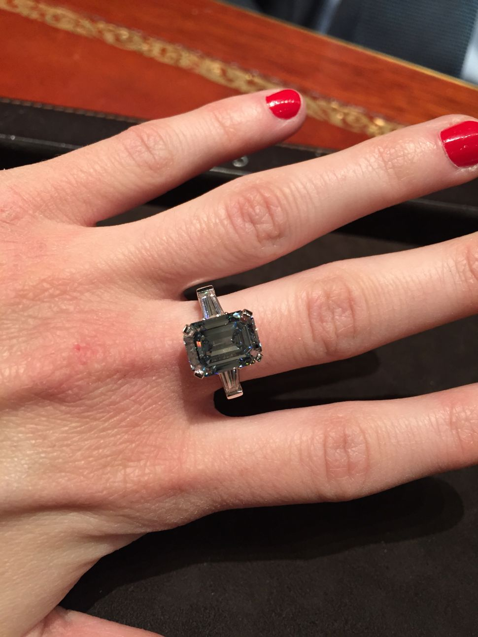 I Tried on a $30 Million Diamond, and This Is What it Felt Like