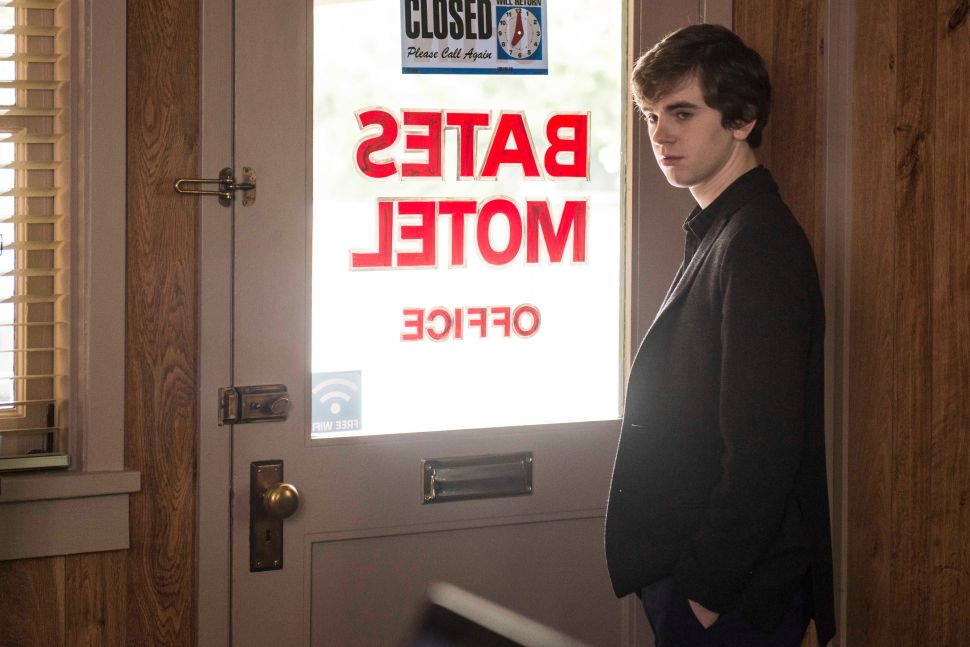 'Bates Motel' 3×2 Recap: Peter Pan and Wendy Never Got to Have Sex