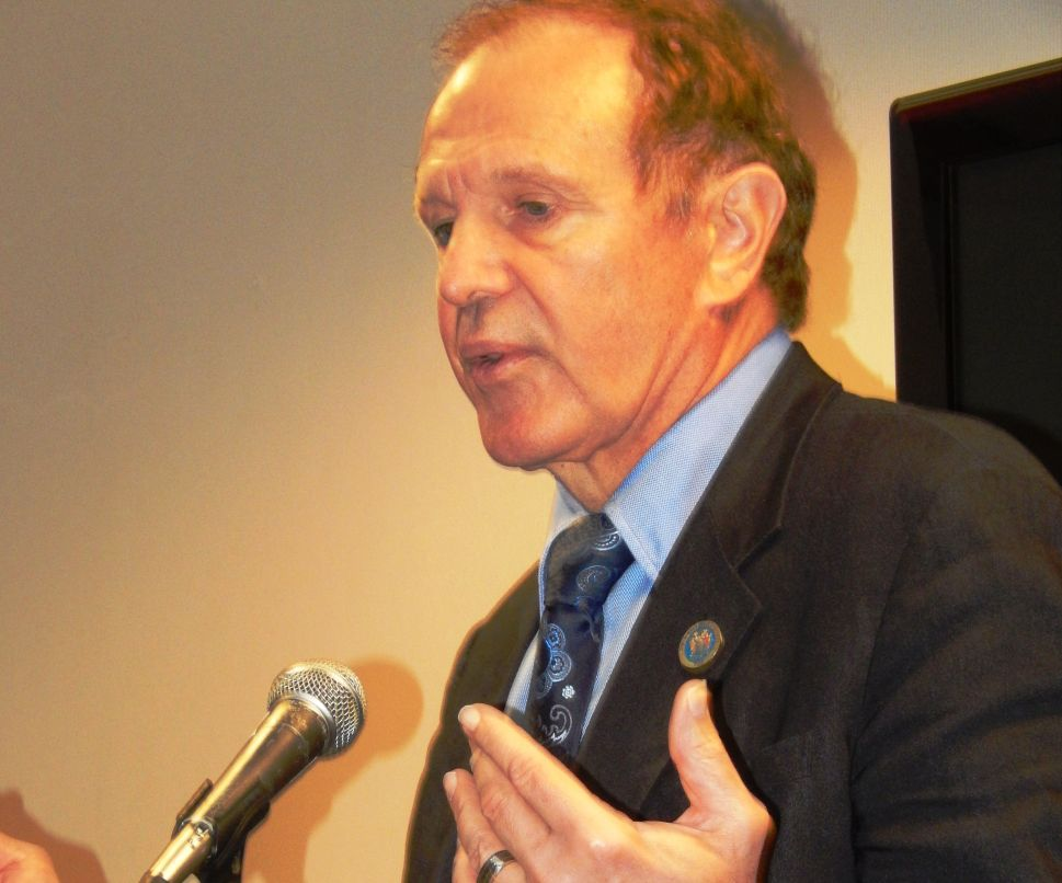 Lesniak calls for the rejection of ExxonMobil agreement