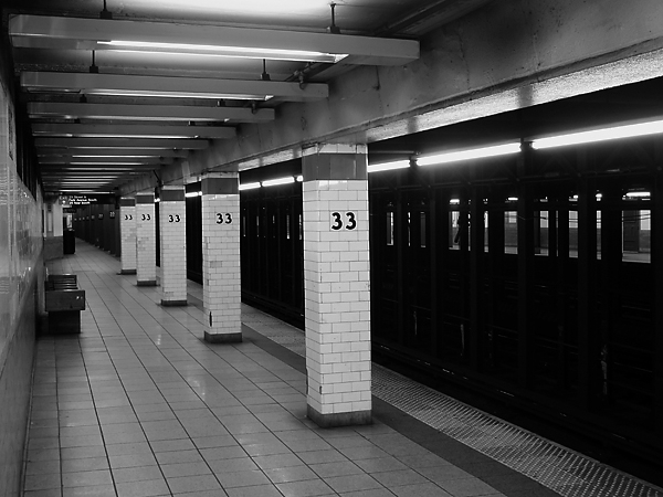 On the Market: De Blasio Beseeches Reporters—Pay No Attention to Paltry MTA Funding